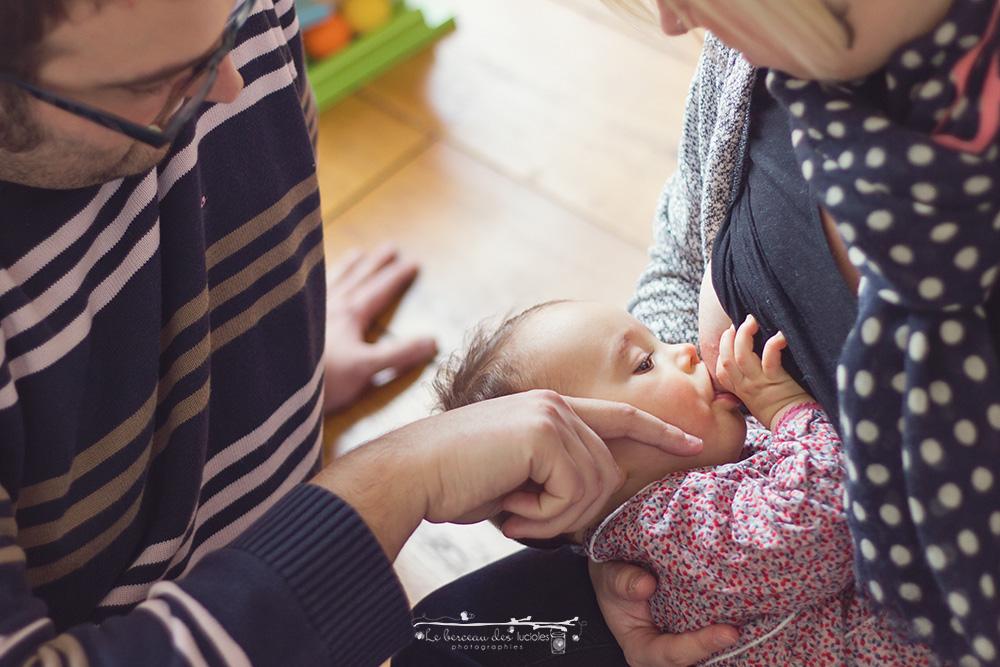 Séance photo bébé lifestyle à toulouse allaitement