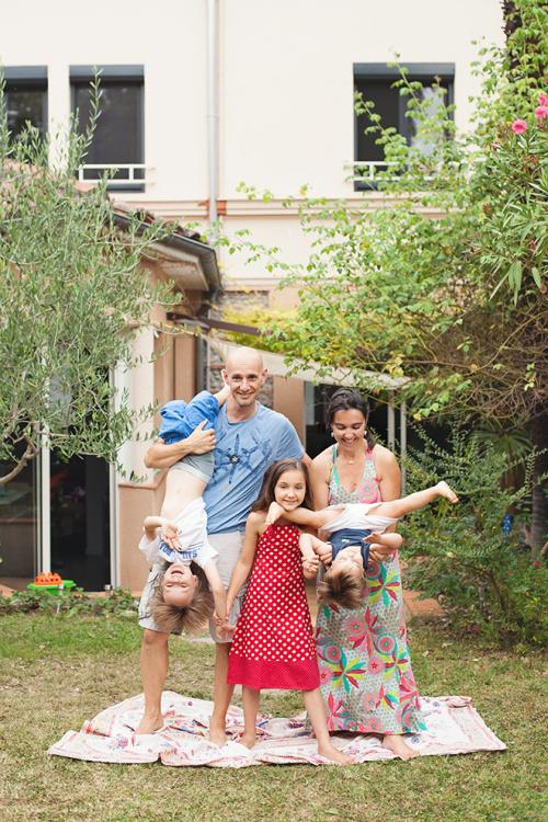 Séance photo famille fun à Toulouse