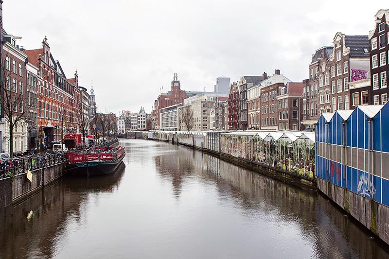 Canaux Amsterdam marché aux fleurs