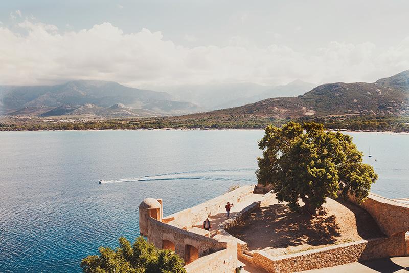 vue-depuis-citadelle-calvi