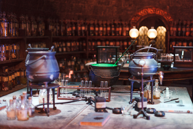 Studio warner bros harry potter londres salle de classe potions 2